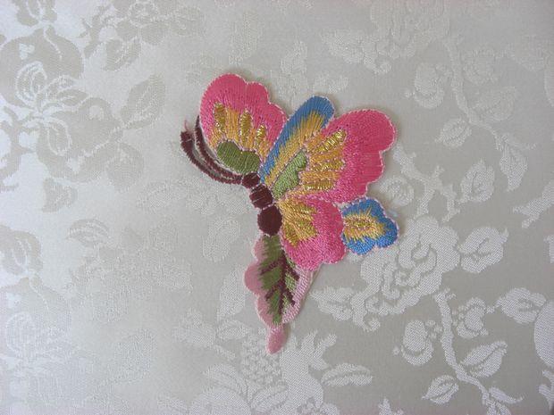 韓国刺繍【蝶(横向き):011】