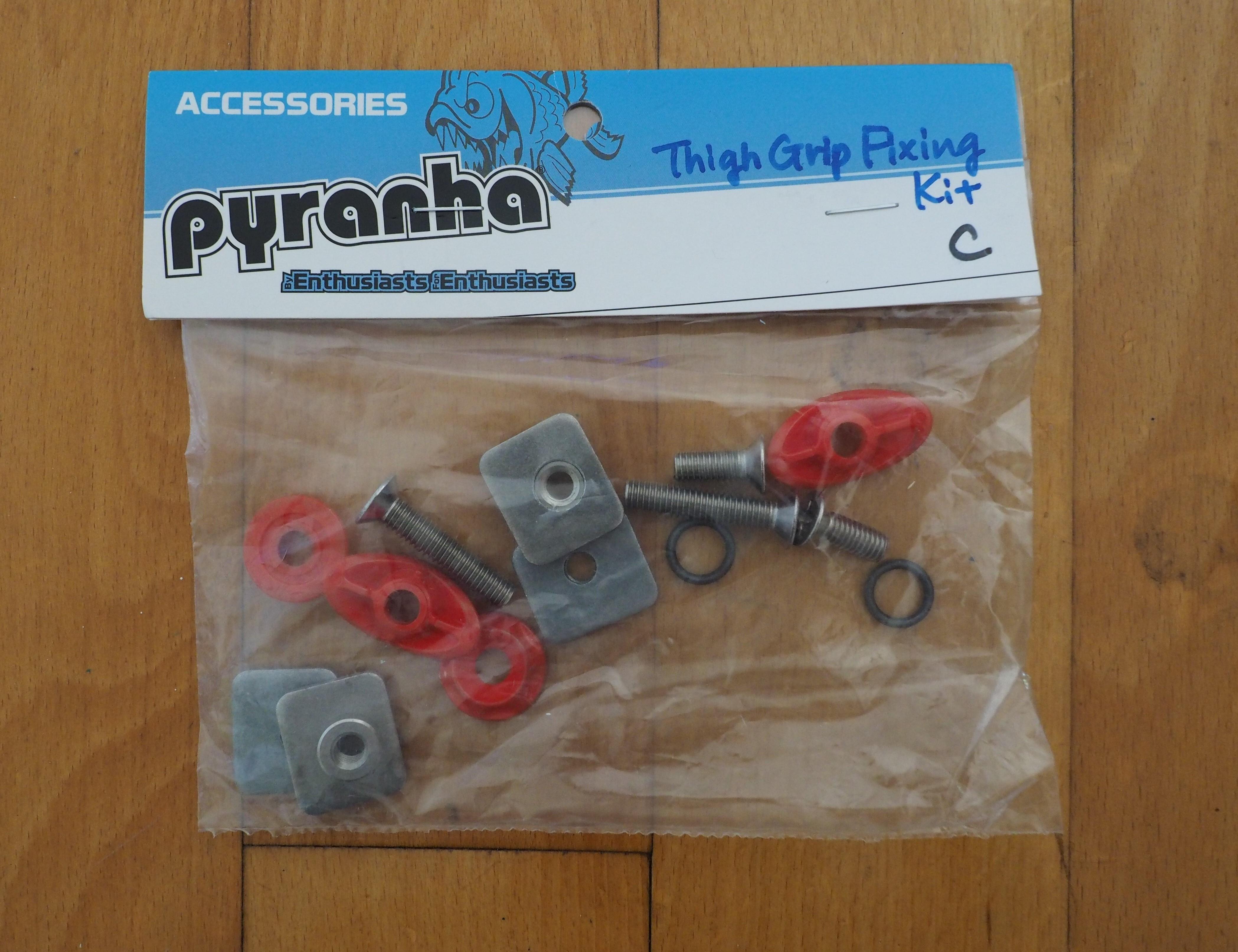 ピラニアカヤックスペアパーツ【Thigh Grip Fixing Kit C】サイ・グリップフィクシングキットC