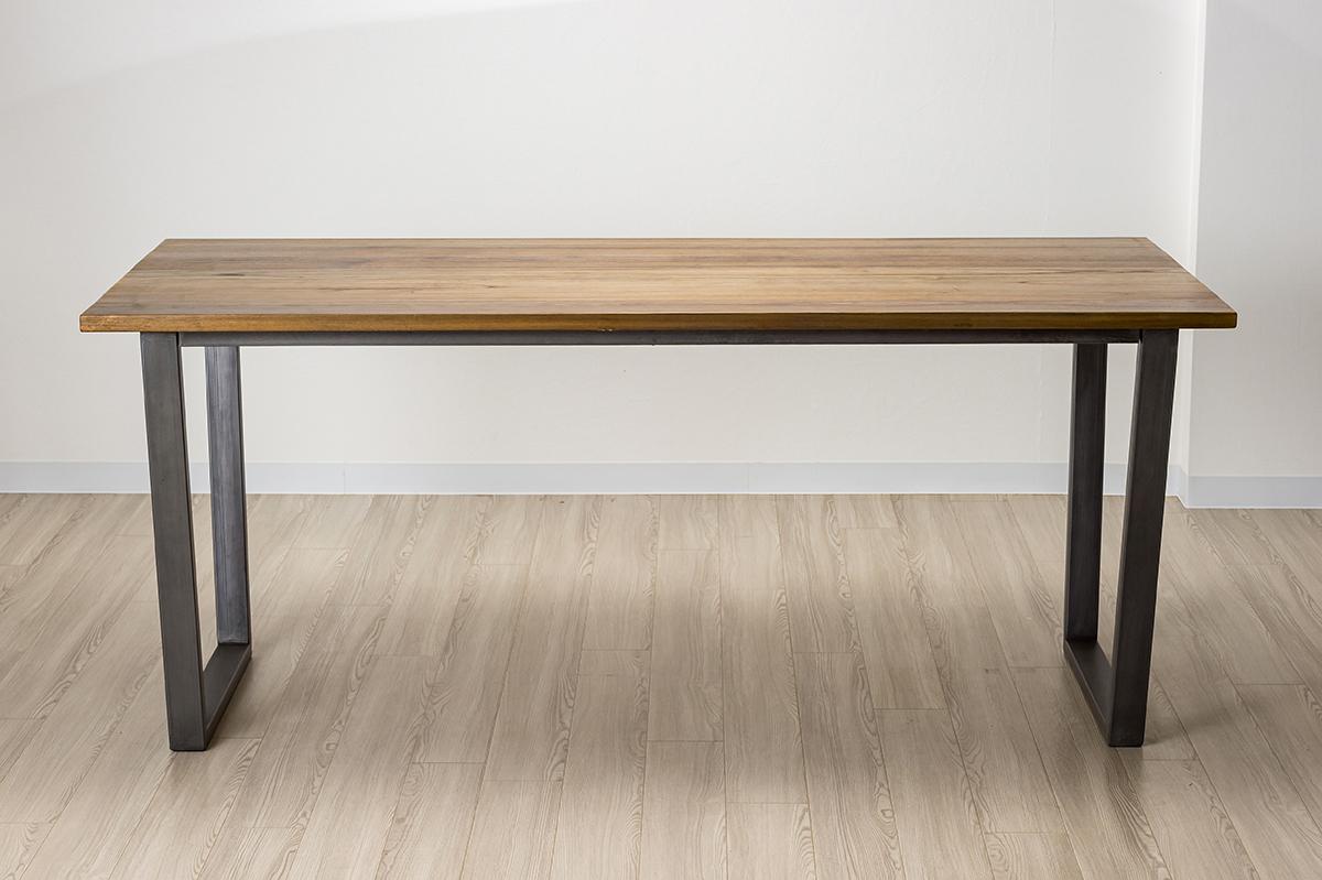 バリカフェ ダイニングテーブル