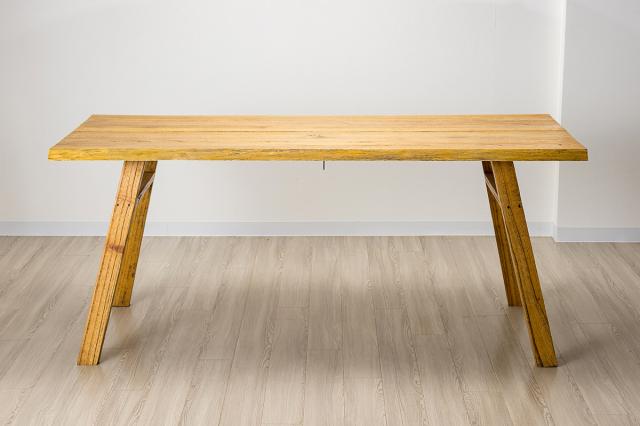 レギャン ダイニングテーブル