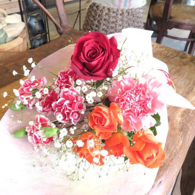 バラとカーネーションのプチブーケ【送料無料母の日ギフト】18md053