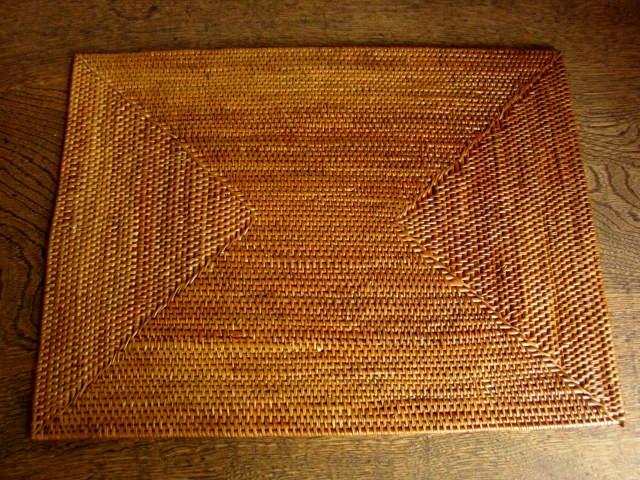 【アウトレット】アタ製・長方形ランチョンマット(Lサイズ・ナチュラルカラー)AT143a