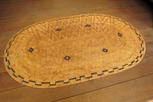 アタ製・玄関マット/フロアーマット/テーブルマット(LL特大サイズ・楕円形・模様編み・黒モチーフ入り)AT154