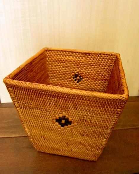 アタ製 角型くずかごボックス/鉢カバー(黒モチーフ入り)AT183