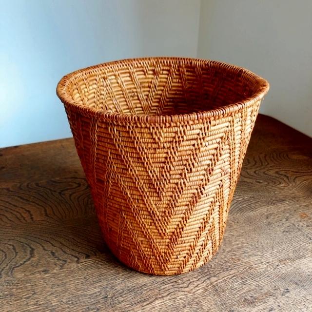 アタ製くずかご/鉢カバー(円すい形・模様編み)AT184
