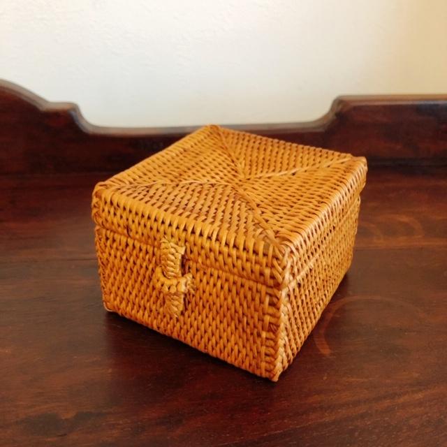 アタ製ふた付きボックス・小物入れ(平編み)AT197