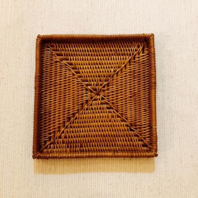 アタ製・スクエアコースター/小皿/銘々皿(極細編み 縁有り/10cm×10cm×高さ1cm)AT216