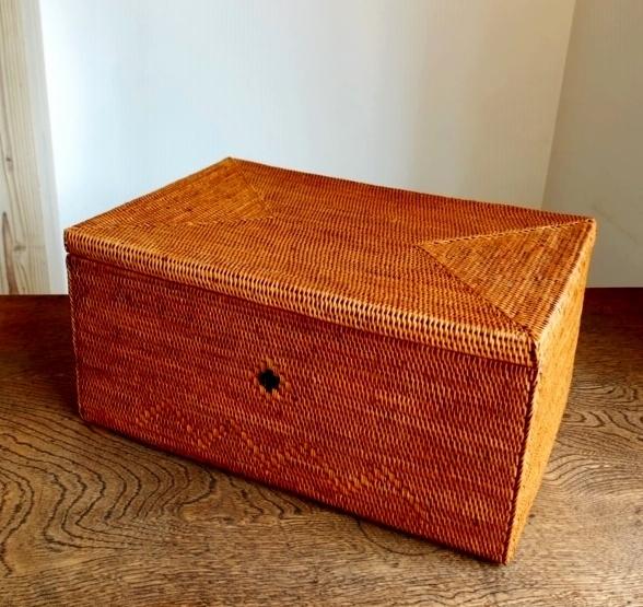 アタ製ふた付き長方形型収納ボックス(ラージサイズ 模様編み・黒モチーフ入り)AT225