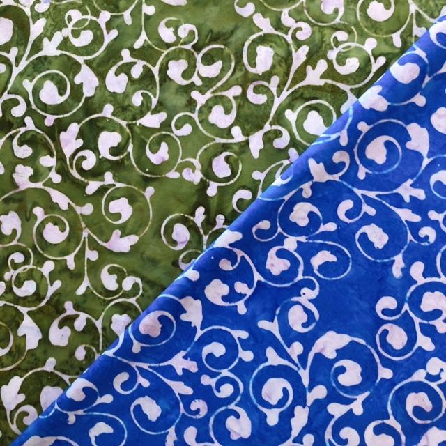 バティック・クロス(ジャワ更紗 バティック・チャップ/型押し染めバティック2種類 アラベスク グリーン/ブルー)BT128