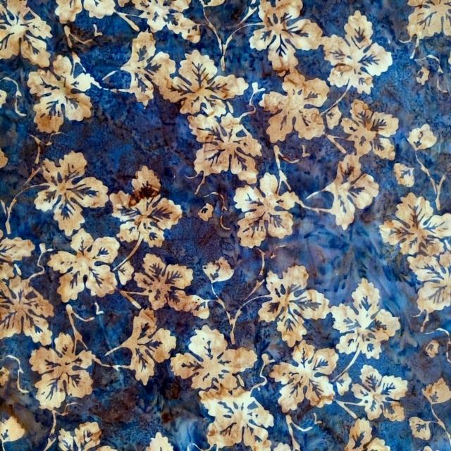 バティック・クロス(ジャワ更紗 バティック・チャップ/型押し染めバティック 藍色・植物柄)BT130