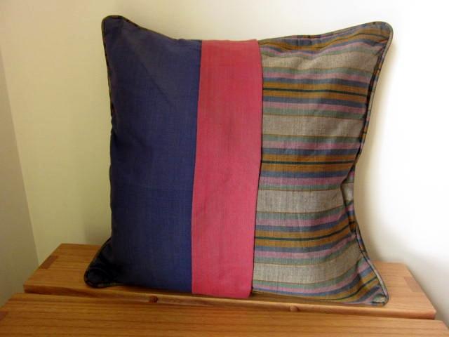 イカット(かすり織り)製クッションカバー(40cm正方形)CP003