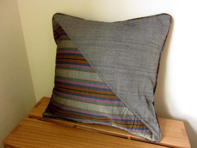 イカット(かすり織り)製クッションカバー(40cm正方形)CP006