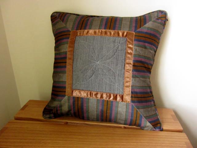 イカット(かすり織り)製クッションカバー(40cm正方形)CP007