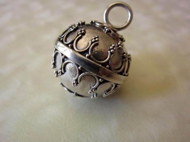 馬蹄模様のガムランボール(Mサイズ・ジャワンタイプ)GB019