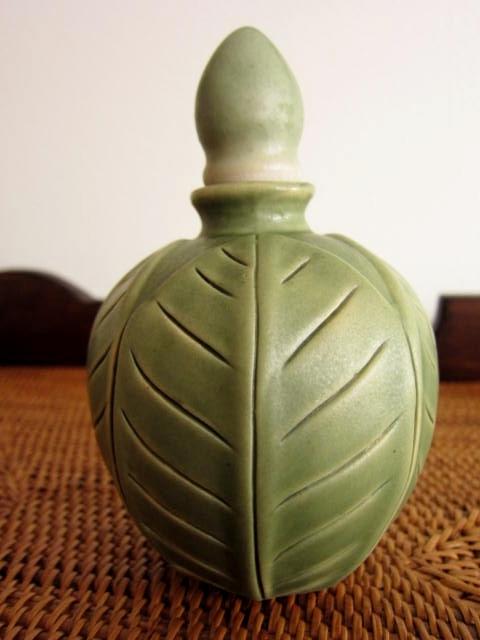 つぼみ型ボトル(グリーン、バリ島タバナン焼き)IA021