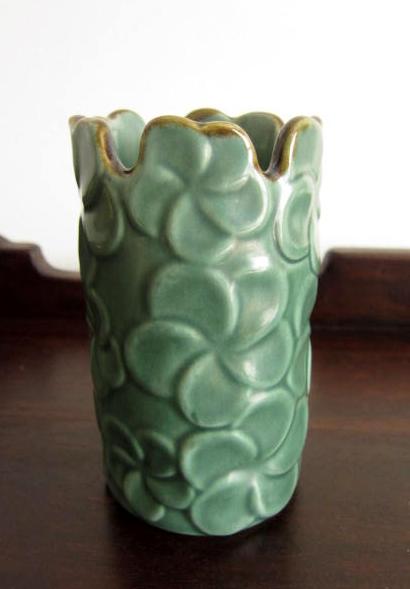 バリ島・タバナン焼き フランジパニの花びん(グリーン)IA034