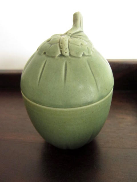 バリ島・タバナン焼き ココナッツの形のシュガーポット/お砂糖入れ/小物入れ(グリーン)IA043