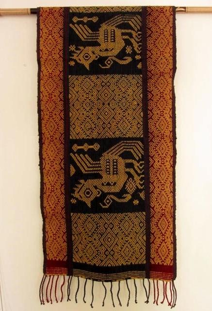 スンバイカット(鶏のモチーフ/パヒクン(浮織り布))IK037