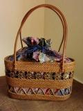アタバッグ(ナチュラル/透かし・模様入り/ココナッツの飾り/グリーン&パープル&ブルー系プリントバティック製内布)AB165