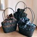 黒アタバッグ(透かし・模様編み/内布・型押し染めバティック 3種類 ブルー&パープル系花柄/ライトブラウンリーフ柄/ダークブラウンリーフ柄)AB176