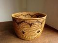 アタ製・円形ラウンドバスケット(蓋なし 模様編み 黒モチーフ)AT091
