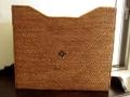 アタ製ビッグサイズのマガジンボックス(雑誌サイズ/模様編み・黒モチーフ/幅約16cmタイプ)AT138