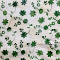 バティック・クロス(ジャワ更紗 バティック・チャップ/型押し染めバティック グリーンのお花とリーフ柄)BT175