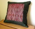 イカット(かすり織り)製クッション(40cm正方形/ダークグリーン/中綿付き)IK033