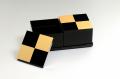 モダンな重箱:市松GOLD4.0二段オードブル重(黒)