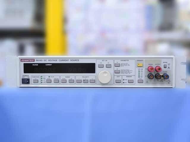 中古 アドバンテスト 標準電圧・電流発生器 R6145 (管理番号:4G-1027)