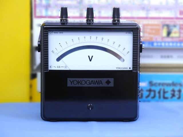 中古(未使用品) 横河計測 交流電圧計 2013-15 (管理番号:B900Z-003)