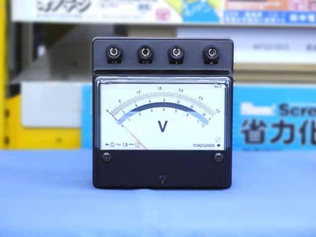 中古(未使用品) 横河計測 交流電圧計 2052-05 (管理番号:B900Z-005)