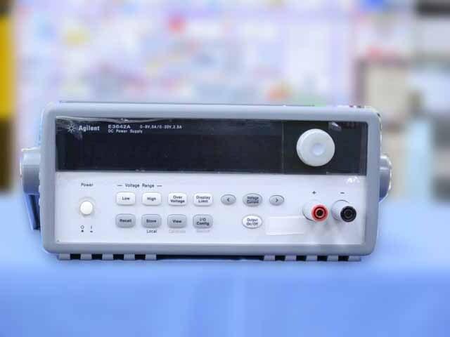 中古 キーサイト(アジレント) 直流安定化電源 E3642A (管理番号:IT0185)