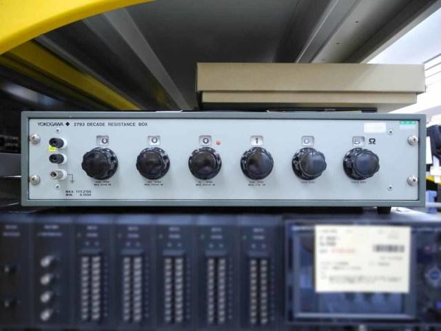中古 横河計測 6ダイヤル可変抵抗器 279301 (管理番号:UKK-09006)
