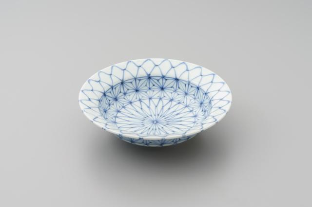 染付網目麻の葉かぶと鉢(小)
