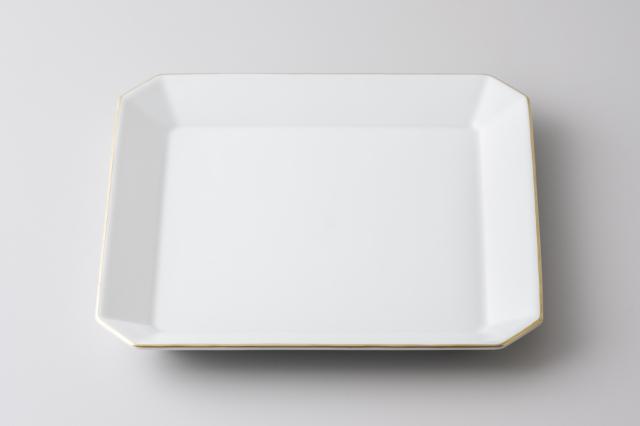【料理と器Part2 掲載商品】渕金白磁20センチ角皿