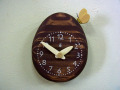タマゴとチョウチョの時計(茶)