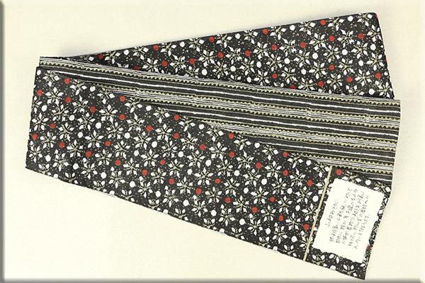 西陣織 半幅帯 小花とドット 黒
