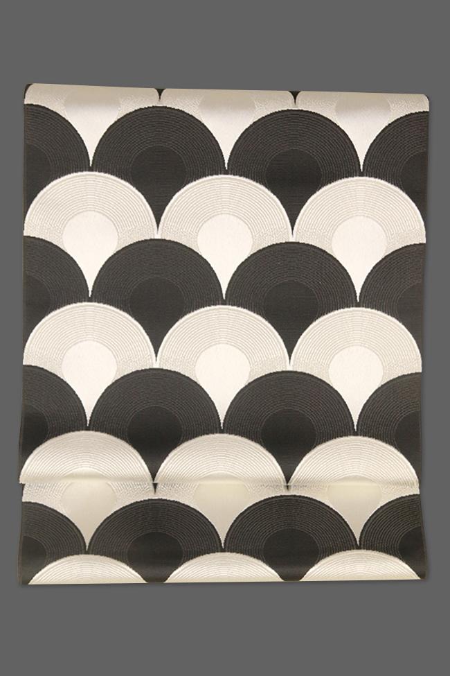 西村織物 博多織 八寸名古屋帯 正絹 お仕立て付き 鯉鱗 黒×白
