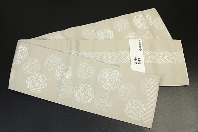 西村織物 結 博多織 正絹半幅帯 かがり仕立付 マム 絹100% 白×ベージュ