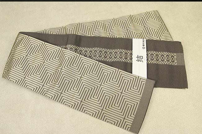 西村織物 結 博多織 正絹半幅帯 かがり仕立付 角縞 絹100% カーキ