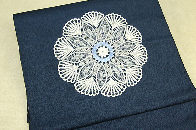 総手刺繍 刺繍九寸名古屋帯 華紋 絹 黒 仕立付き