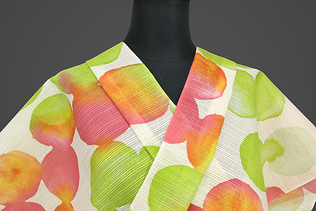 IKS浴衣(ゆかた) オーダー仕立て付き カラフルモダン917 白×赤×緑 女性にオススメ