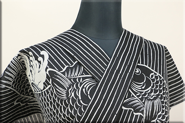 JUNKO KOSHINO浴衣(ゆかた) 綿麻 オーダー仕立て付き 鯉 黒 隼80 ◆男女兼用◆