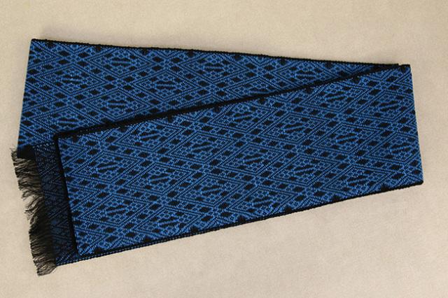 近賢織物 シャンヴル 半幅帯 刺し子風 麻帯 黒×青 菱づくし