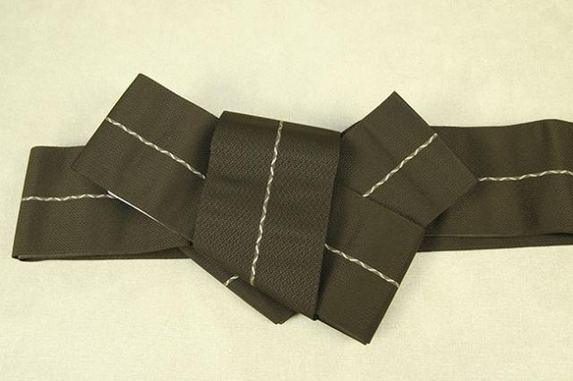 博多織 西村織物 角帯 正絹 八ノ字縞 カーキ