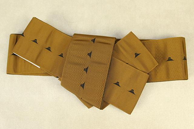 博多織 西村織物 角帯 正絹 片風通 富士山 黄土色