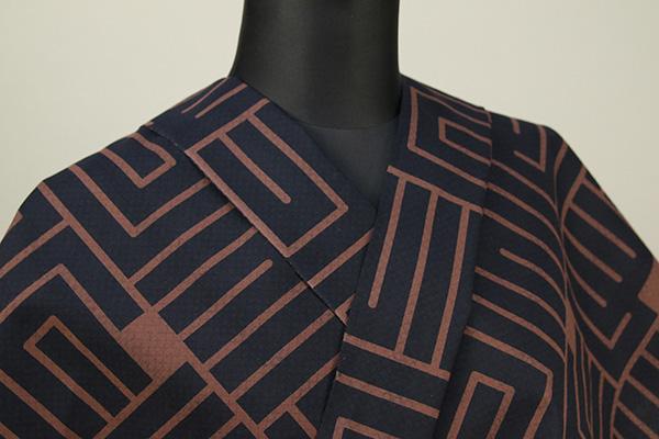 三勝 注染浴衣(ゆかた) 浴衣(ゆかた) オーダー仕立て付き 幾何学模様 網目 裏表柄 黒茶