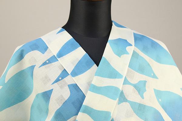 ViVi浴衣(ゆかた)  浴衣(ゆかた) オーダー仕立て付き 魚 白×水色  ◆女性にオススメ◆