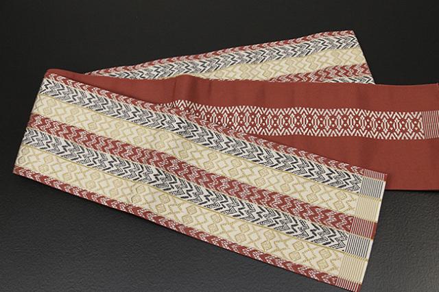 西村織物 結 博多織 正絹半幅帯 かがり仕立付 バティック 絹100% 赤
